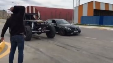 ultra4 vs Mercedes E 63 AMG