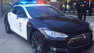 tesla model s policia los angeles