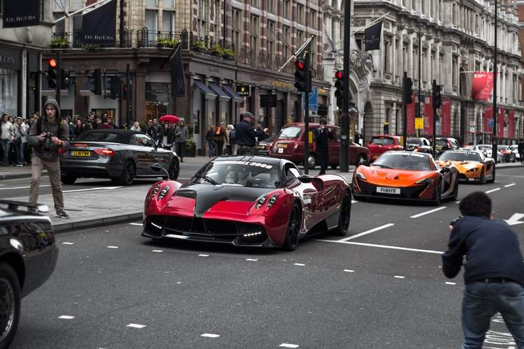 fotos coches Gumball 3000 2016 londres